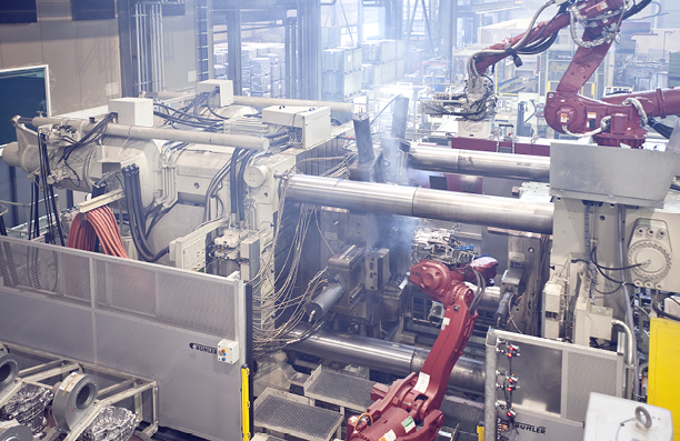 Leichtmetallguss, Druckgießmaschinen