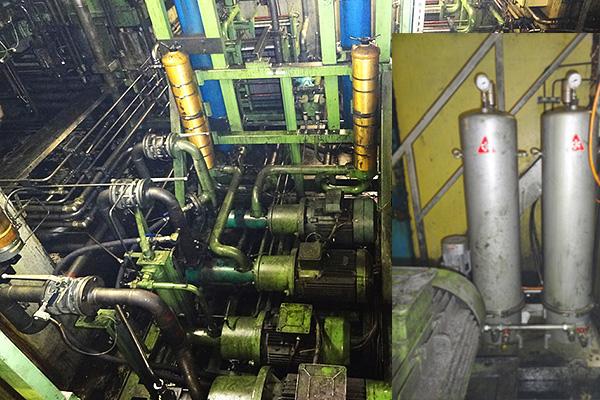 hydrauliköl pflegen im nebenstrom, schmiedepresse